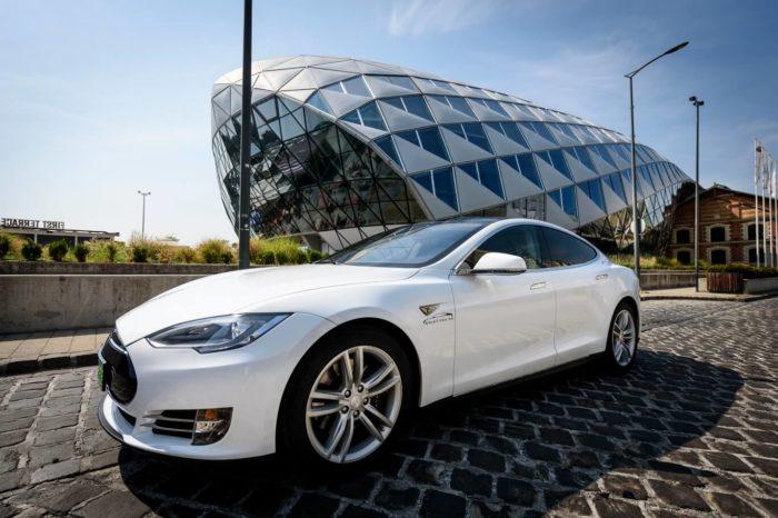 Tesla élményautózás